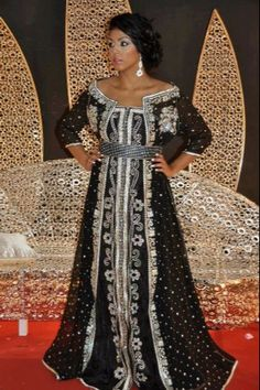 """I think this kaftan was made by Kaftane Elegance. For sure, it is beautiful, lot of """"élégance"""""""