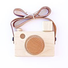 flash zoom wooden camera