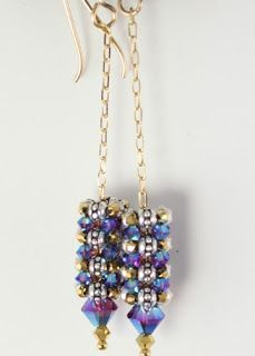 Free pattern from Marcia DeCoster - click on earring picture in sidebar for PDF. #Seed #Bead #Tutorials. Thank you Marcia.
