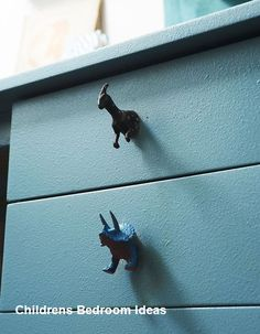 25 Recycling Ideas to Add Unusual Handmade Knobs and Pull Handles to Interior Decorating Interesting and unusual knobs and pull handles add charming details to cabinets, kitchen cupboards and furniture drawers Diy Door Knobs, Drawer Knobs, Drawer Handles, Drawer Pulls, Girls Room Paint, Painted Drawers, Dresser Drawers, Furniture Handles, Childrens Room Decor