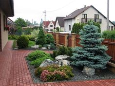 Courtyard: 50 examples of good design Rock Garden Design, Small Garden Design, Garden Landscape Design, Landscaping Retaining Walls, Front Yard Landscaping, Garden Shrubs, Lawn And Garden, Small Gardens, Outdoor Gardens