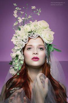 Modern Madonna by Andrea Wullimann ©lichtartfotografie.ch 2015 Photoshooting, Mystic, Madonna, Flowers