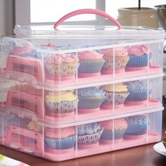 VonShef 3 Tier Cupcake Holder and Carrier Container Color: Pink Sugar Scrub Diy, Diy Scrub, Cool Kitchen Gadgets, Cool Kitchens, Cupcake Carrier, Freezer Containers, Storage Containers, Food Storage, Recipe For Teens