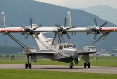 Here's a nice shot of the Dornier - a flying boat that has been fitted with a modern wing and three Pratt & Whitney… Airplane Flying, Flying Boat, Amphibious Aircraft, Helicopter Plane, Float Plane, Old Planes, Naval, Civil Aviation, Aircraft Design