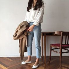 secrets for the minimalist fashion summer Casual Minimal Chic Simple . - secrets for the minimalist fashion summer Casual Minimal Chic Simple 4 – Wear Like This – - Look Fashion, Daily Fashion, Trendy Fashion, Womens Fashion, Korean Casual Outfits, Korean Fashion Summer Casual, Casual Ootd, Casual Fall, Casual Jeans