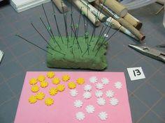 Dollhouse Miniature Furniture - Tutorials | 1 inch minis: Little Red Wagon Floral Arrangement Part 3