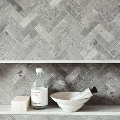 This luxe range of tiles offers an interesting take on marble. In chic greys and with an East Coast sensibility, this new addition to the Hamptons collection is available in a series of tactile and stylish patterns and finishes. Wet Room Flooring, Fired Earth, Herringbone Tile, New Chic, Wet Rooms, Dream Bathrooms, Pebble Beach, Tile Design, Decoration