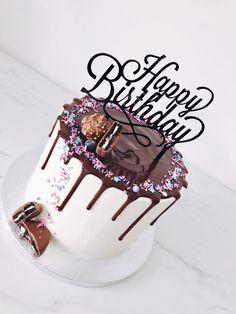 #happy #birthdaycake #birthdays Girly Birthday Cakes, Birthday Drip Cake, 15th Birthday Cakes, Birthday Cake Decorating, Card Birthday, Birthday Quotes, Birthday Ideas, Birthday Gifts, Sweet 16 Cakes
