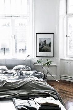 = grey linen and bedside lamp = Lotta Agaton