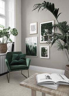 in the Inspiration group at Desenio AB .- in der Gruppe Inspiration bei Desenio AB in der Grup… in the Inspiration group at Desenio AB in the Inspiration group at Desenio AB - Living Room Green, Green Rooms, Home Living Room, Living Room Decor, Bedroom Decor, Living Room Wall Colours, Bedroom Colours, Decor Room, Room Interior