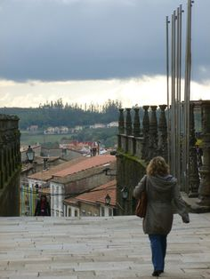 Santiago de Compostela!  (but this lady is obviously not a trekker)