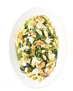 Pâtes crevettes, burrata et herbes pour 4 personnes - Recettes Elle à Table