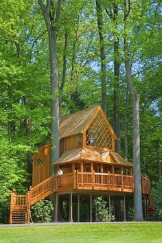 "Featured on ""Treehouse Masters""! Just one of the gorgeous tree houses located at Longwood Gardens in PA. I wanna live here!"