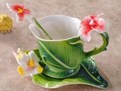 Hand Crafted Porcelain Enamel Delicate Elegant Romance Canna Tea Coffee Cup Set with Saucer and Spoon Home Paradise http://www.amazon.com/dp/B00HEAWZNO/ref=cm_sw_r_pi_dp_jnkkub188BPX2