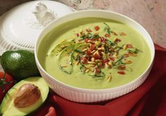 Our popular recipe for avocado soup and over other free recipes LECKER. Avocado Soup, Avocado Recipes, Spicy Chicken Soup, Easy Chicken Recipes, Slow Cooker Chili, Slow Cooker Recipes, Chili Recipes, Soup Recipes, Cheeseburger Soup