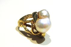 Abercrombie Gems and Precious Metals: 1970's 14k Yellow Gold Baroque Pearl Ring