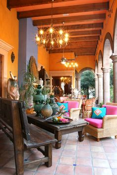 Mexican style hacienda decor for outdoor living, fun and vibrant! Mexican Hacienda Decor, Style Hacienda, Hacienda Homes, Mexican Home Decor, Mexican Patio, Mexican Crafts, Mexican Garden, Mexican Courtyard, Mexican Restaurant Design