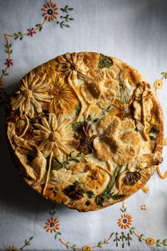 Garden pie - leek and potato - twigg studios Garden pie - leek and potato Cute Food, A Food, Good Food, Food And Drink, Yummy Food, Just Pies, Table D Hote, Vegetarian Recipes, Cooking Recipes