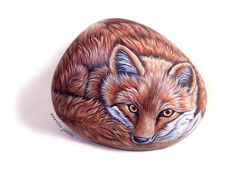 Volpe rossa - Red fox. Hand painted on rock by Ernestina