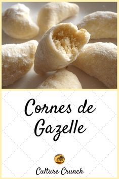 gazelle cornes de CORNES DE GAZELLE Cornes de gazelleYou can find Easy fall dessert recipes and more on our website Tastemade Dessert, Dessert Party, Quick Dessert Recipes, Easy Desserts, Thanksgiving Desserts Easy, Galletas Cookies, Ramadan Recipes, Chocolate Desserts, Chocolate Ganache