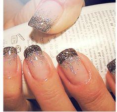 french nails short Natural - DIY French Nail Tips At Home - Nageldesign Natur Frensh Nails, New Year's Nails, Love Nails, Glitter Nails, How To Do Nails, Pretty Nails, Hair And Nails, Silver Glitter, Sparkly Nails