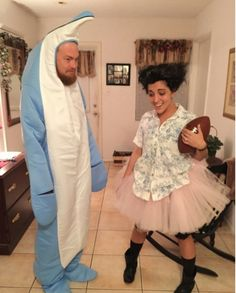 33 Funny and Creepy Halloween Couple Costumes Ideas Which Halloween couple costume you are planning to wear? Look for these 33 funny and creepy Halloween couple costumes ideas. Best Halloween couples costumes to try this year. Cool Couple Halloween Costumes, Best Couples Costumes, Funny Couple Halloween Costumes, Halloween Costume Contest, Diy Halloween Costumes, Costumes For Women, Costume Ideas, Halloween Ideas, Homemade Costumes