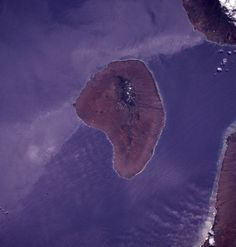 NASA's July 1994 satellite image shows Lanai island in Hawaii, located west of Maui and south of Molokai. Maui, Hawaii, Lanai Island, Image Shows, Sustainability, Places To Go, Photo Galleries, Islands, Tech