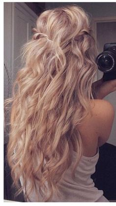Real blonde mermaid hair right there....