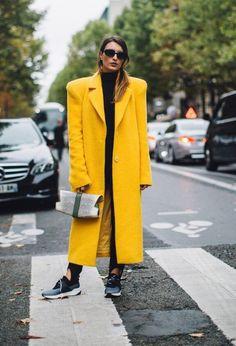 Fashiontrend: damespak, in zwart, gekleurd of print - One Hand in my Pocket Street Style 2017, Spring Street Style, Casual Street Style, Street Style Women, Summer Street, Street Styles, Spring Summer, Cool Street Fashion, 90s Fashion