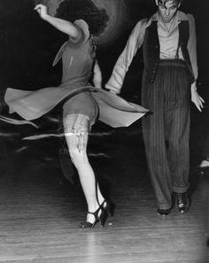 1930s swing dancers