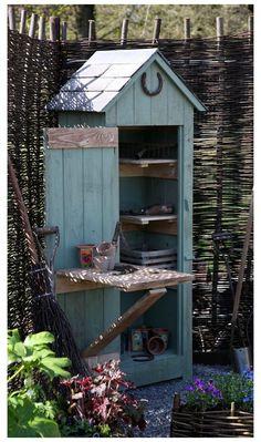 Diy Storage Shed, Garden Tool Storage, Garden Tools, Small Storage, Garden Shed Diy, Small Garden Tool Shed, Backyard Storage, Small Garden Storage Ideas, Dish Storage