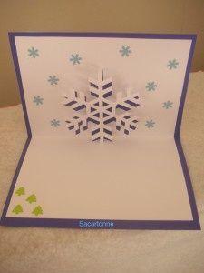 Voici un modèle de flocon de neige ou aussi étoile de Noël pour préparer vos cartes de fin d'année. Un modèle a décliner dans toutes les couleurs!! Facile et rapide à faire vous prendrez grand plaisir à le réaliser!! Ce modèle est à retrouver gratuitement...