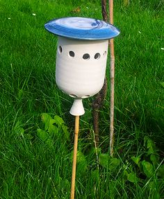 Met dit huis voor lieveheersbeesten houd je luizen uit je tuin. Verkrijgbaar via vinimare.nl