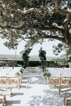 Essential OutDoor Wedding Tips - Wedding Tips 101 Wedding Trends, Wedding Tips, Wedding Designs, Wedding Ceremony, Destination Wedding, Wedding Venues, Dream Wedding, Summer Wedding, Ceremony Seating