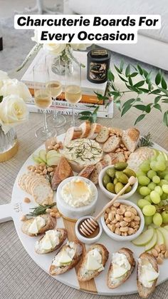 Charcuterie Recipes, Charcuterie And Cheese Board, Cheese Boards, Appetizer Recipes, Dinner Recipes, Appetizers, Party Food Platters, Brunch, Cooking Recipes