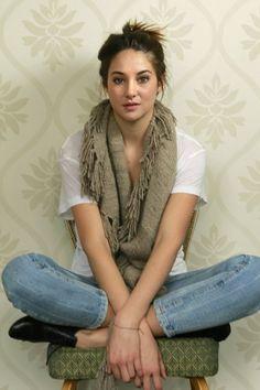Shailene Woodley  casual