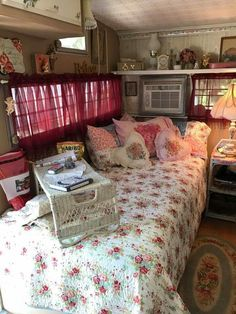 Inside a 1974 Shasta 1400 Hippie Vintage, Vintage Travel, Caravan Decor, Van Living, Camper Interior, Remodeled Campers, Tiny Spaces, Shabby, Tiny House Design