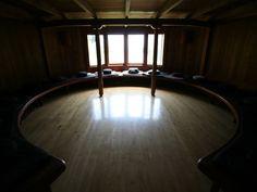 Afbeeldingsresultaat voor meditating in a hut