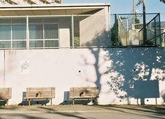光とベンチ, via Flickr.