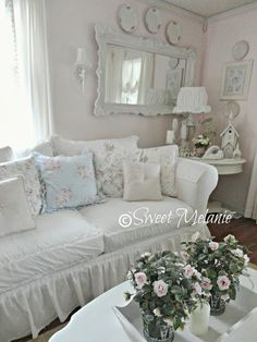 Sweet Melanie:: Touches of Blue -Shabby Chic Updates ! Sweet Melanie:: Touches of Blue -Shabby Chic Updates ! Blue Shabby Chic, Shabby Chic Living Room, Shabby Chic Cottage, Vintage Shabby Chic, Shabby Chic Homes, Shabby Chic Style, Shabby Chic Furniture, Shabby Chic Decor, Romantic Cottage