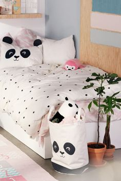 Spot-print duvet cover set - White/Panda - Home All Bedroom Themes, Girls Bedroom, Bedroom Decor, Master Bedroom, Panda Decorations, Blue Ceilings, H&m Home, Storage Baskets, Duvet Cover Sets