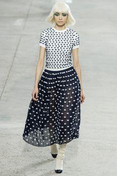Sfilata Chanel Paris - Collezioni Primavera Estate 2014 - Vogue