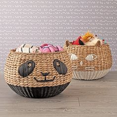 Cats are known for being clean, and the one on this woven floor basket is certainly no exception. It'll help you clear up any space in the home by storing tons of toys and blankets. Willow Weaving, Basket Weaving, Woven Baskets, Craft Organization, Craft Storage, Kids Storage, Fabric Storage, Storage Baskets, Rattan Basket