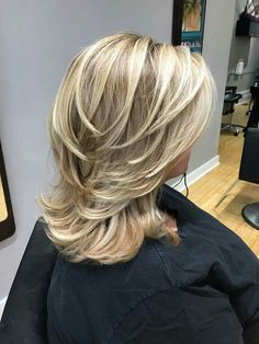 Pin by Carrie Grant on Mid length hair Hair, Hair cuts, Hair styles medium length haircut styles 2018 - Medium Style Haircuts Blonde Layered Hair, Blonde Layers, Blonde Highlights, Mid Length Hair, Medium Length Layered Hair, Hair Color And Cut, Medium Hair Cuts, Haircut Medium, Medium Hair Styles For Women With Layers