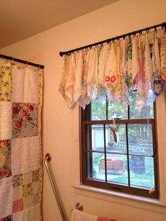 I used curtain clips. I used curtain clips. Bathroom Furniture, Shabby Chic Furniture, Vintage Furniture, Shabby Chic Kitchen, Vintage Shabby Chic, 50s Kitchen, Vintage Linen, Vintage Textiles, Upcycled Vintage