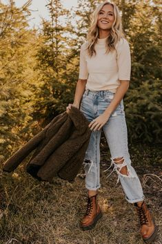 Source by morganmaitoza Tops and jeans Cute Fall Outfits, Fall Winter Outfits, Boho Outfits, Autumn Winter Fashion, Trendy Outfits, Fashion Outfits, Fall Layered Outfits, Hipster Fall Outfits, Farm Outfits