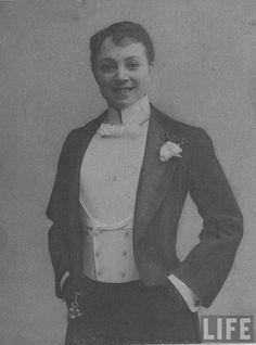 Vesta Tilly (1910)