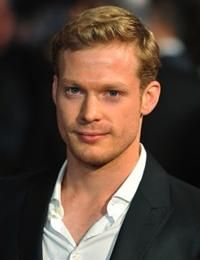 Did not like his character in Hatfields and McCoy's, but LOVED HIM in Belle. What A complete 180 in character personality! Sam Reid, Buff Guys, Hatfields And Mccoys, Character Personality, Novel Characters, You're Hot, Love At First Sight, My Crush, Attractive Men