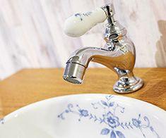 リズ単水栓E250010ピヴォ(オールドイングランド)E231100#essence#FAUCET#水栓 Faucet, Sink, Home Decor, Sink Tops, Vessel Sink, Decoration Home, Room Decor, Water Tap, Vanity Basin