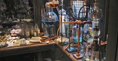 Science for the Center of the Earth Steampunk, Larp, Mad Scientist Lab, Assurance Vie, Mad Science, Science Art, Earth Science, Magic Shop, Alchemist